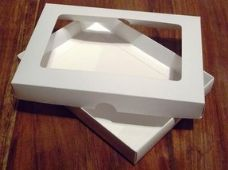 "5"" x 7"" White Invitation Boxes With Aperture Lid"